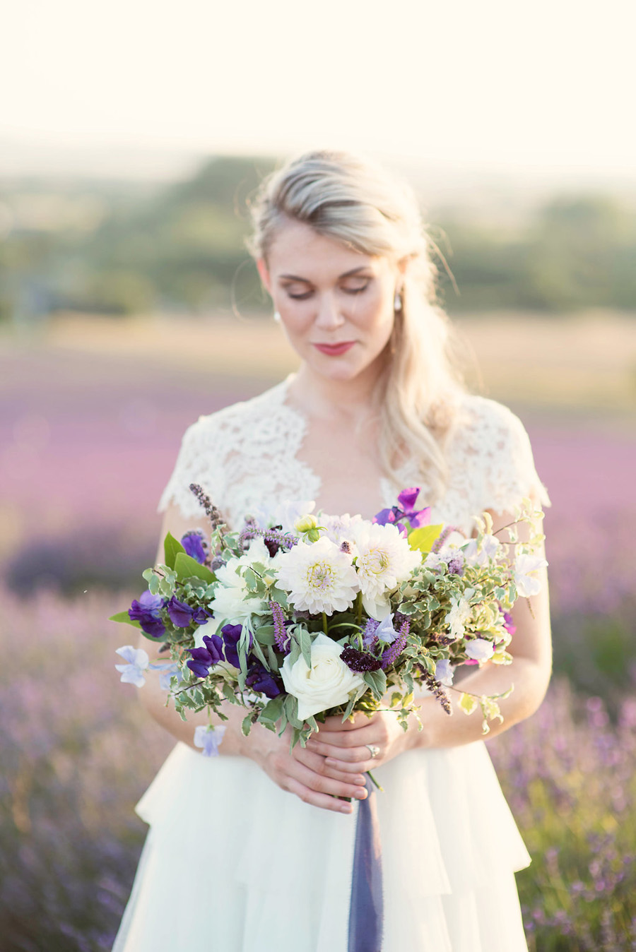 lavender wedding inspiration (30)