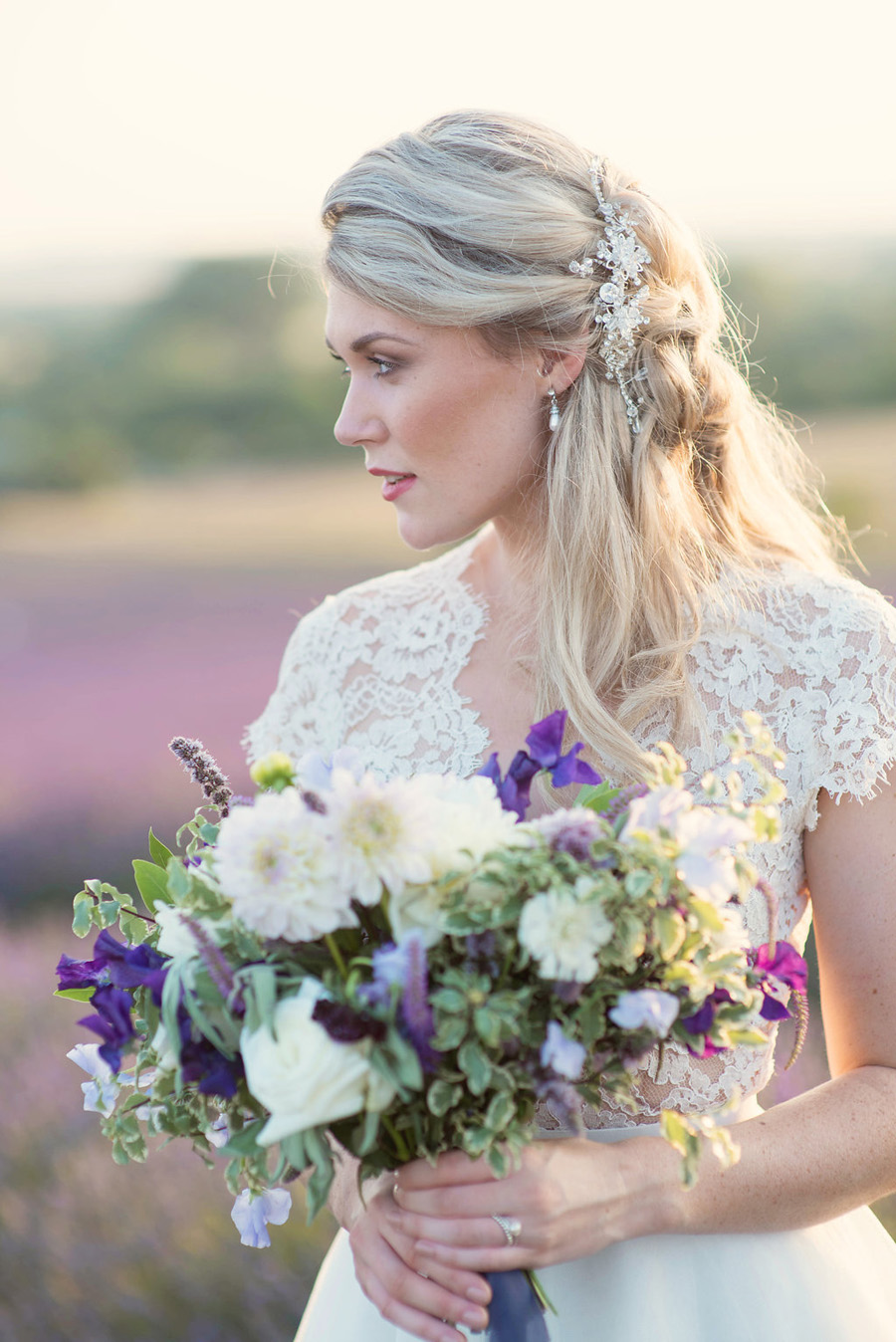 lavender wedding inspiration (31)
