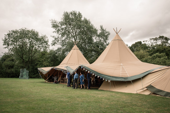 Sunflowers and tipi wedding style at the Henry Moore Foundation Hertfordshire with Becky Harley Photography (2)