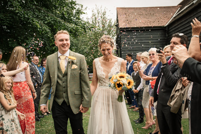 Sunflowers and tipi wedding style at the Henry Moore Foundation Hertfordshire with Becky Harley Photography (9)