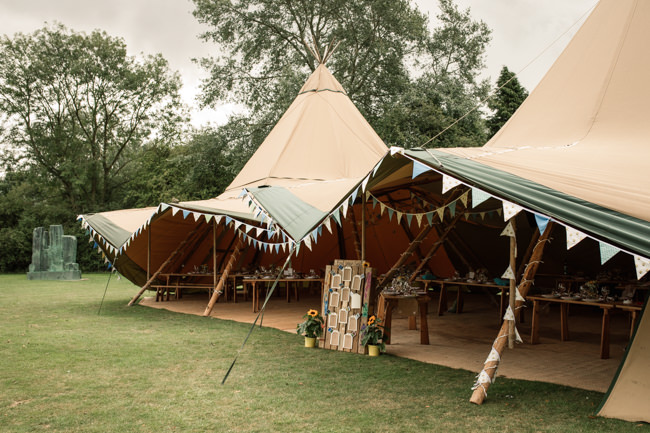 Sunflowers and tipi wedding style at the Henry Moore Foundation Hertfordshire with Becky Harley Photography (18)
