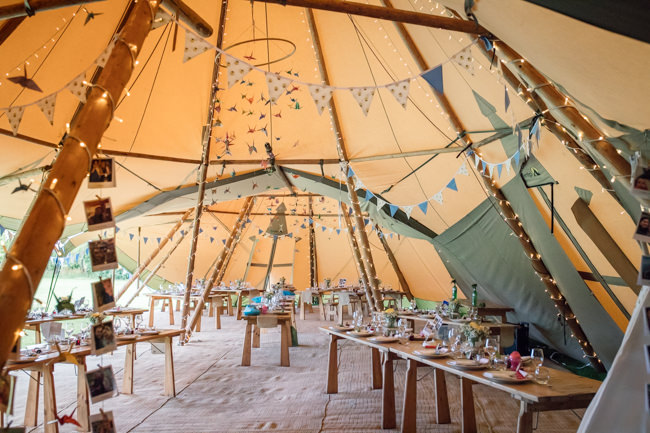 Sunflowers and tipi wedding style at the Henry Moore Foundation Hertfordshire with Becky Harley Photography (19)