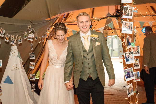 Sunflowers and tipi wedding style at the Henry Moore Foundation Hertfordshire with Becky Harley Photography (31)