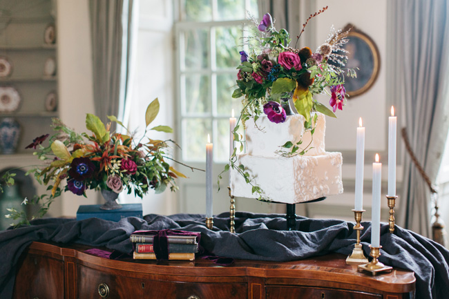 Dark wedding styling ideas for 2018 weddings, with Emma Barrow Photography (25)
