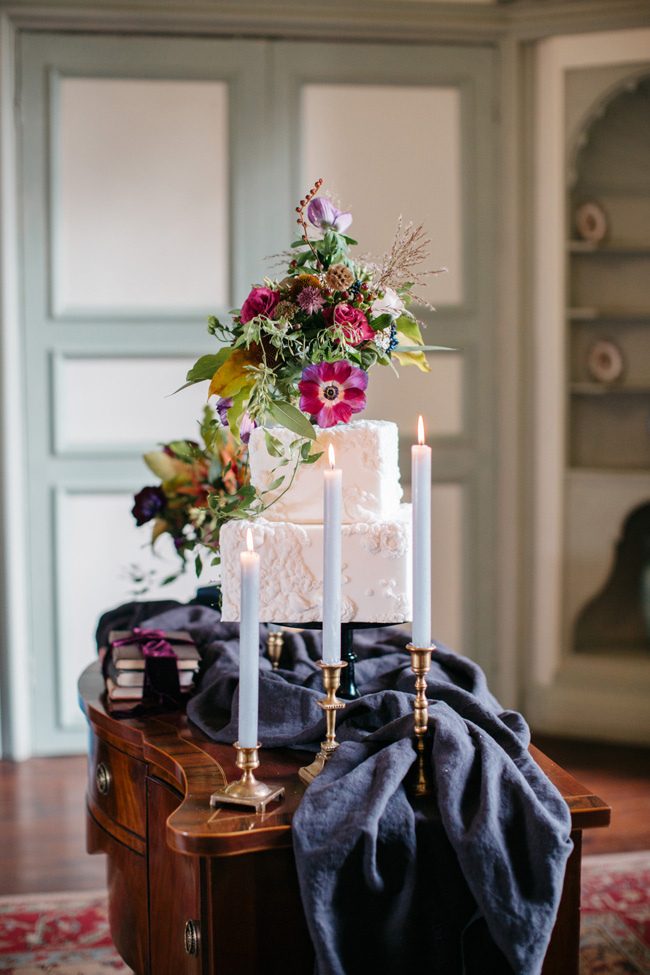 Dark wedding styling ideas for 2018 weddings, with Emma Barrow Photography (28)