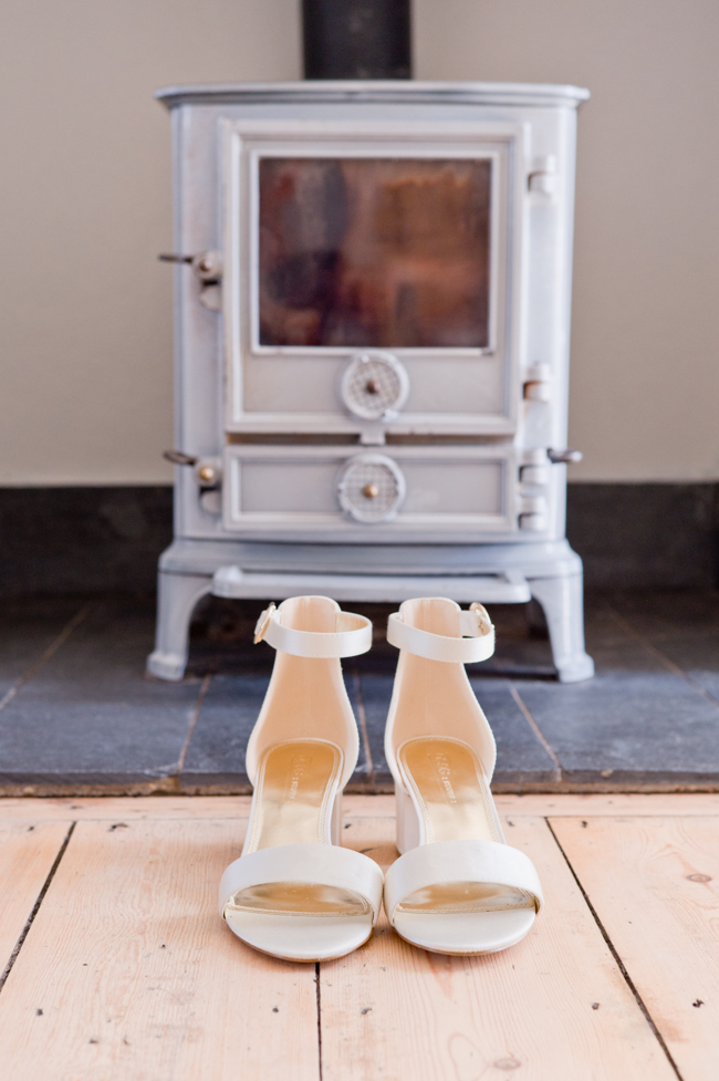 A gorgeous summer wedding at home, Laura-Jane Photography Essex (2)