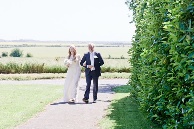 A gorgeous summer wedding at home, Laura-Jane Photography Essex (15)