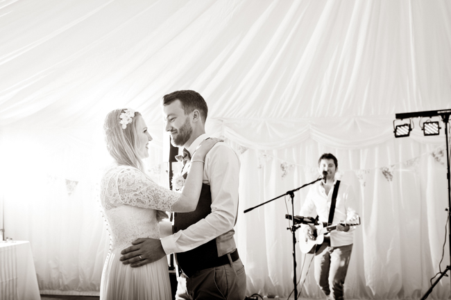 A gorgeous summer wedding at home, Laura-Jane Photography Essex (38)