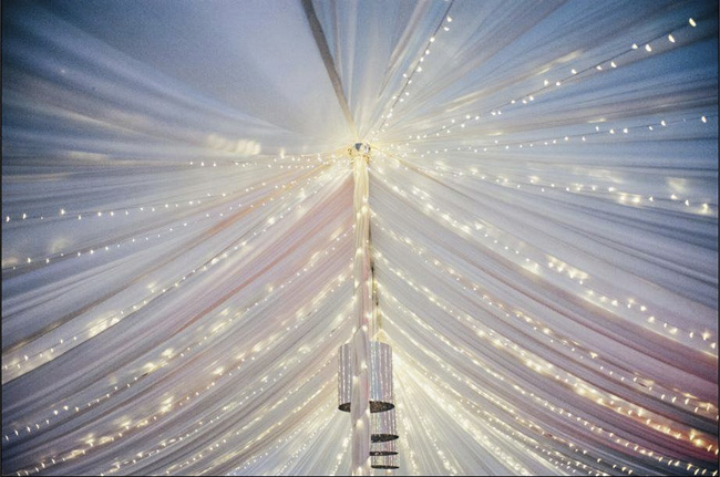 wedding styling ideas with lights (11)