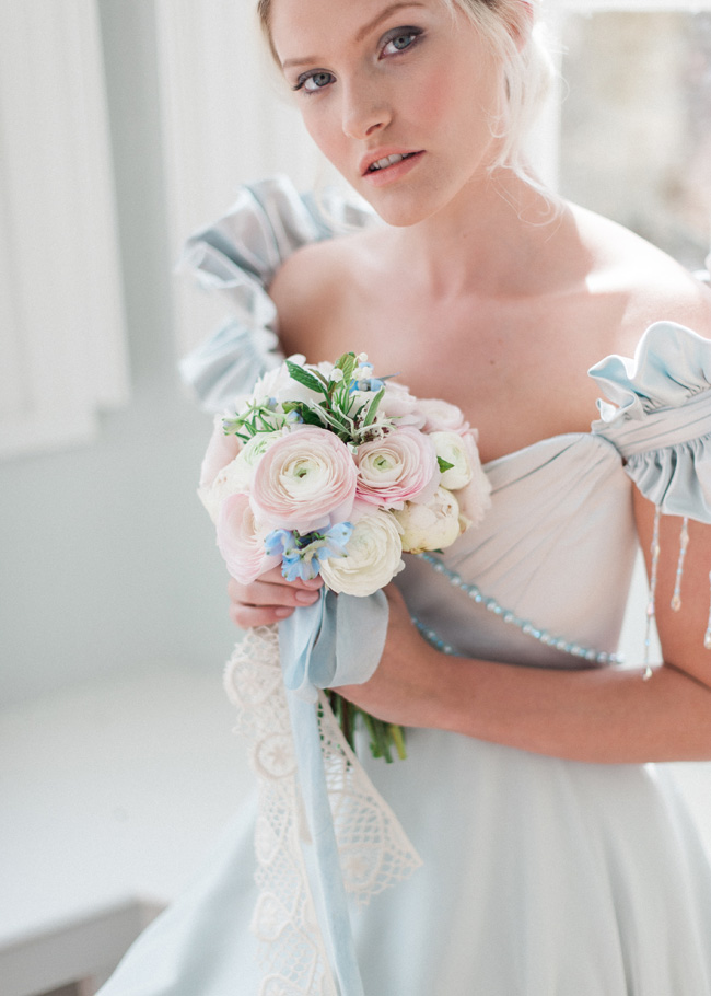 Cornwell Manor wedding styling, pastel blue wedding ideas, Kate Nielen Photography (10)