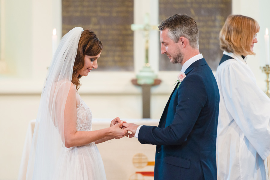 Elegant English wedding with afternoon tea, image credit Hannah McClune Photography (20)