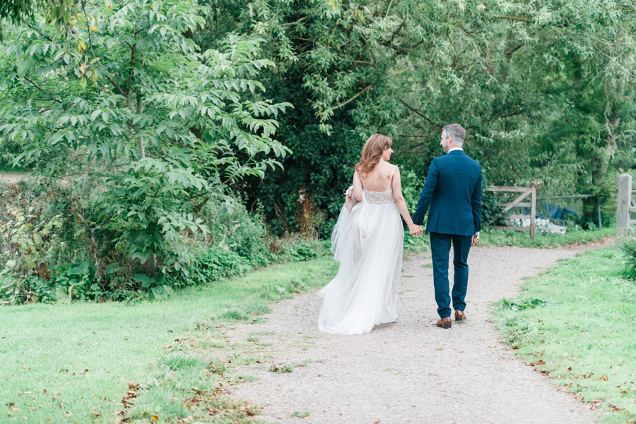 Elegant English wedding with afternoon tea, image credit Hannah McClune Photography (31)
