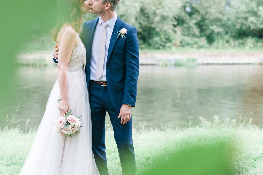 Elegant English wedding with afternoon tea, image credit Hannah McClune Photography (33)