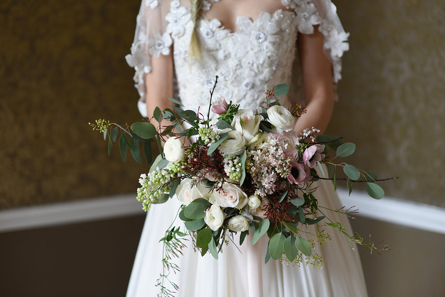 Country house winter wedding styling with Bride and Beau and Eva Tarnok Photography (15)