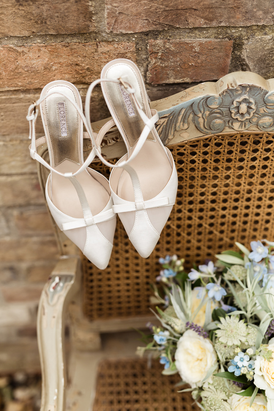 Cambridgeshire venue Lattenbury Hill wedding style ideas. Images by Sarah Brookes Photography (5)