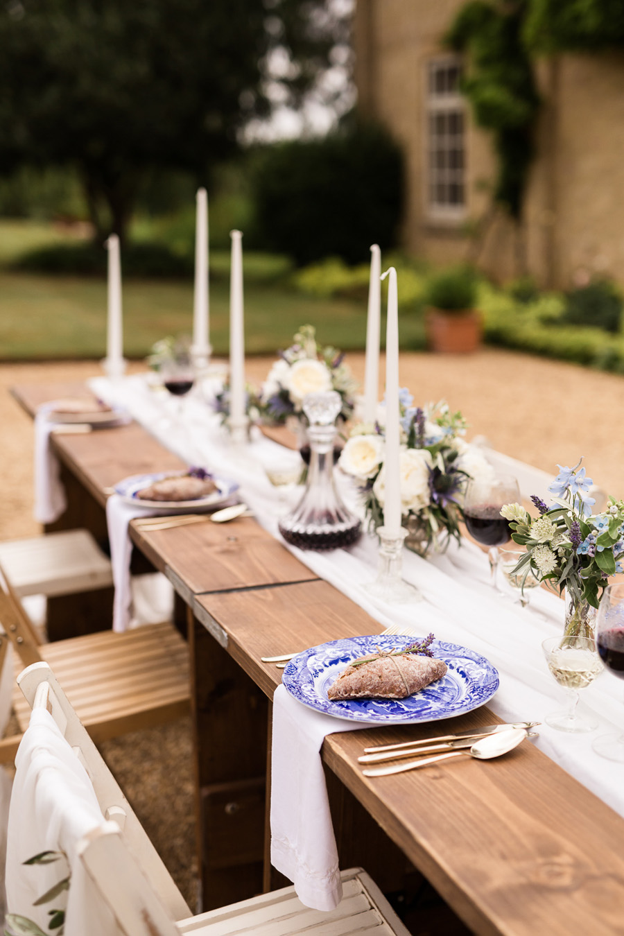 Cambridgeshire venue Lattenbury Hill wedding style ideas. Images by Sarah Brookes Photography (9)