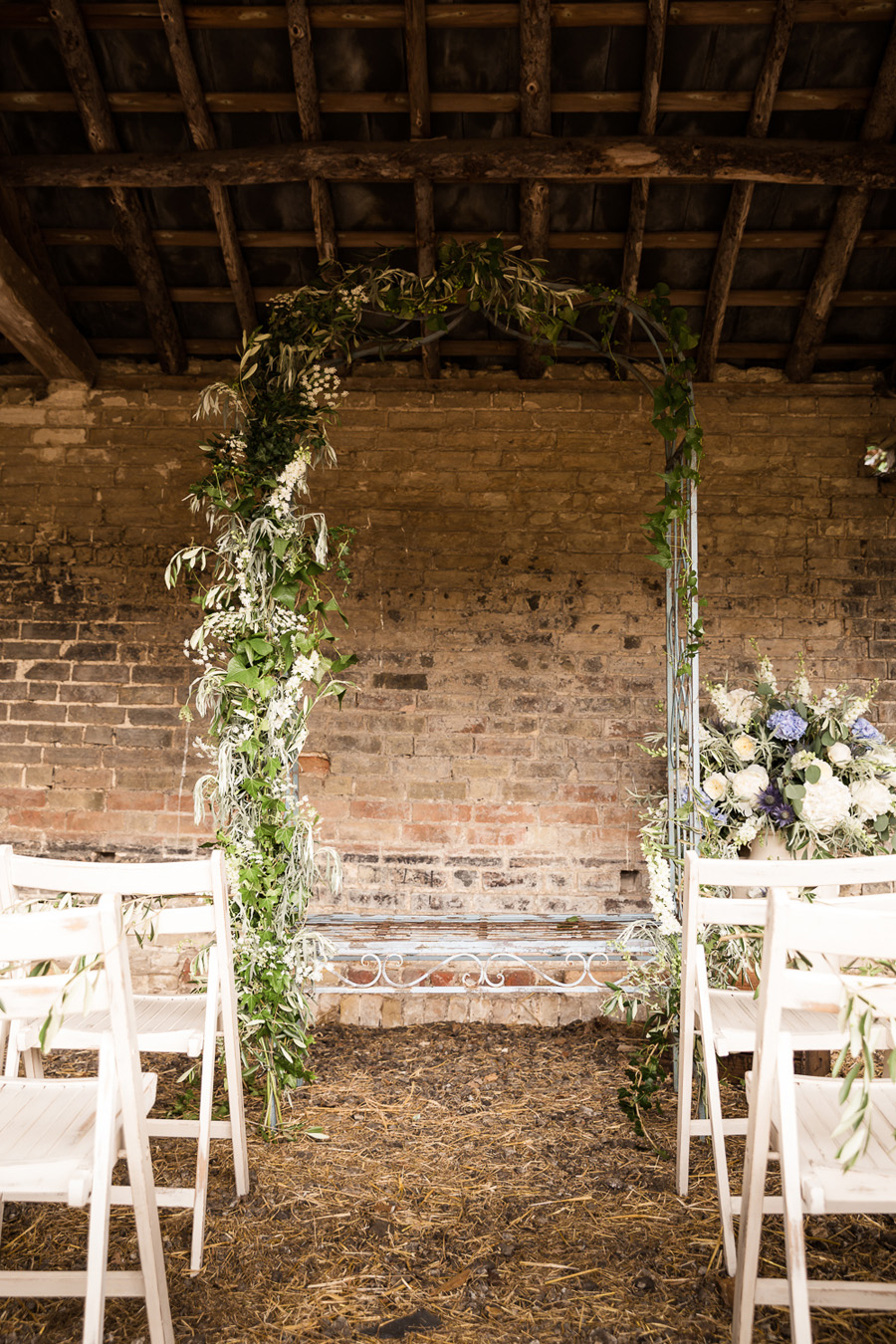 Cambridgeshire venue Lattenbury Hill wedding style ideas. Images by Sarah Brookes Photography (20)