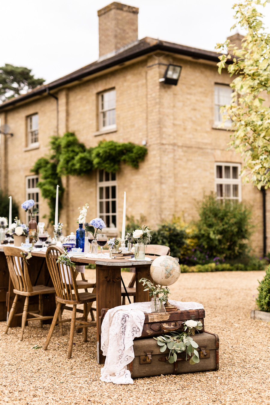 Cambridgeshire venue Lattenbury Hill wedding style ideas. Images by Sarah Brookes Photography (23)