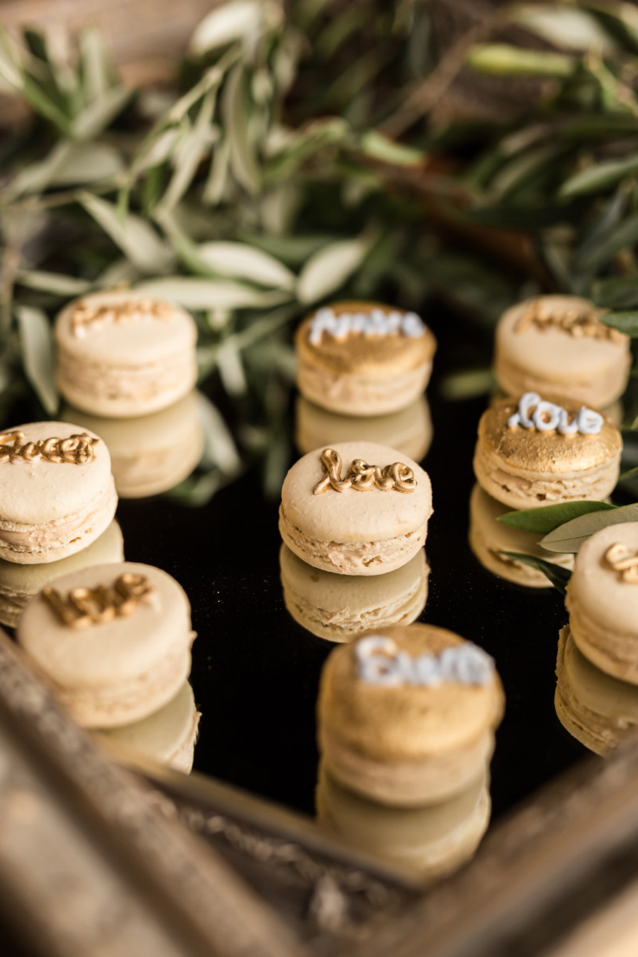 Cambridgeshire venue Lattenbury Hill wedding style ideas. Images by Sarah Brookes Photography (26)