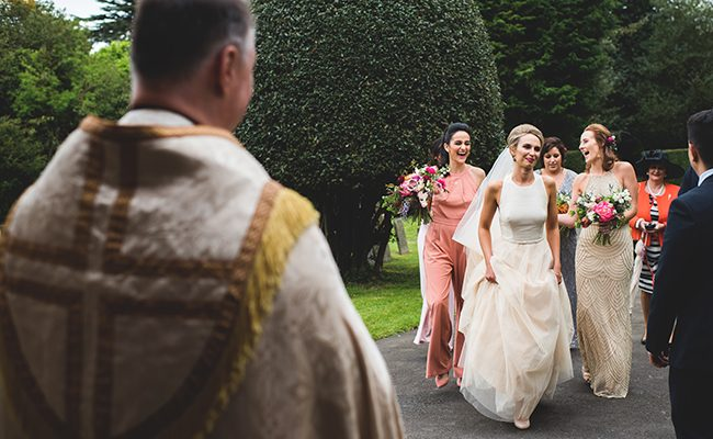 Contemporary English wedding with a Kula Tsurdiu bride, images by Martin Makowski Photography on the English Wedding Blog (9)
