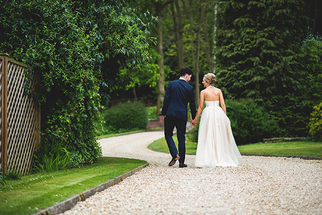 Contemporary English wedding with a Kula Tsurdiu bride, images by Martin Makowski Photography on the English Wedding Blog (31)