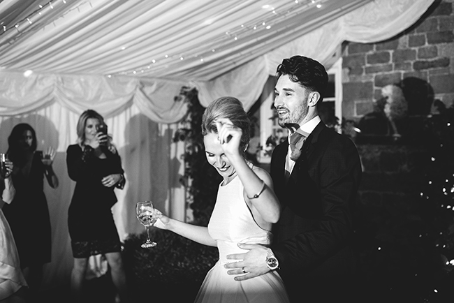 Contemporary English wedding with a Kula Tsurdiu bride, images by Martin Makowski Photography on the English Wedding Blog (39)