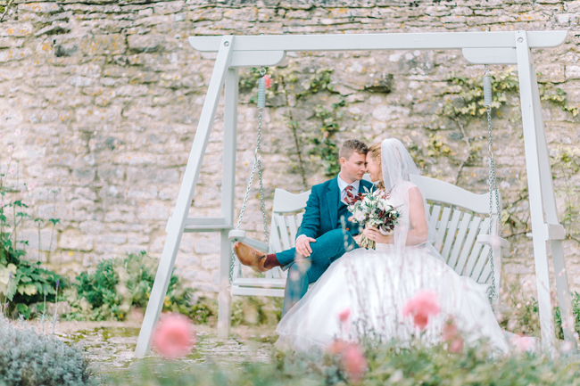 Fine art wedding at Caswell House, image by Jessica Davies Photography (25)