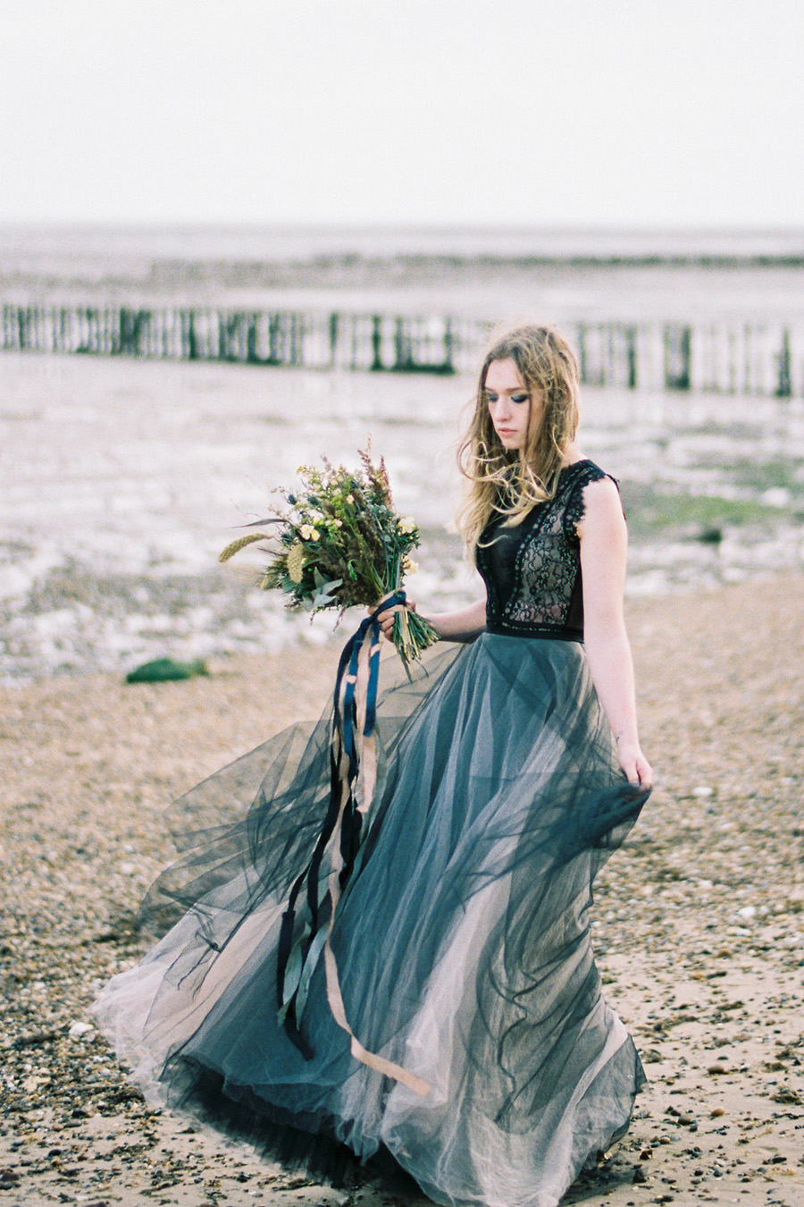 Coastal wedding style ideas from fine art photographer Kathryn Hopkins (8)