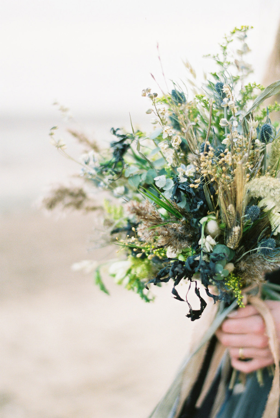 Coastal wedding style ideas from fine art photographer Kathryn Hopkins (5)