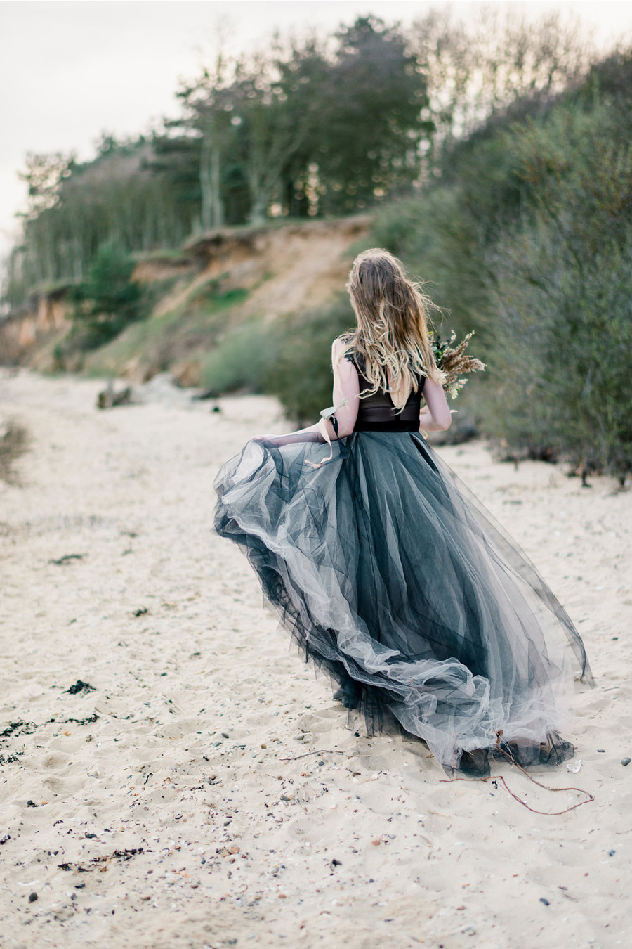 Coastal wedding style ideas from fine art photographer Kathryn Hopkins (18)