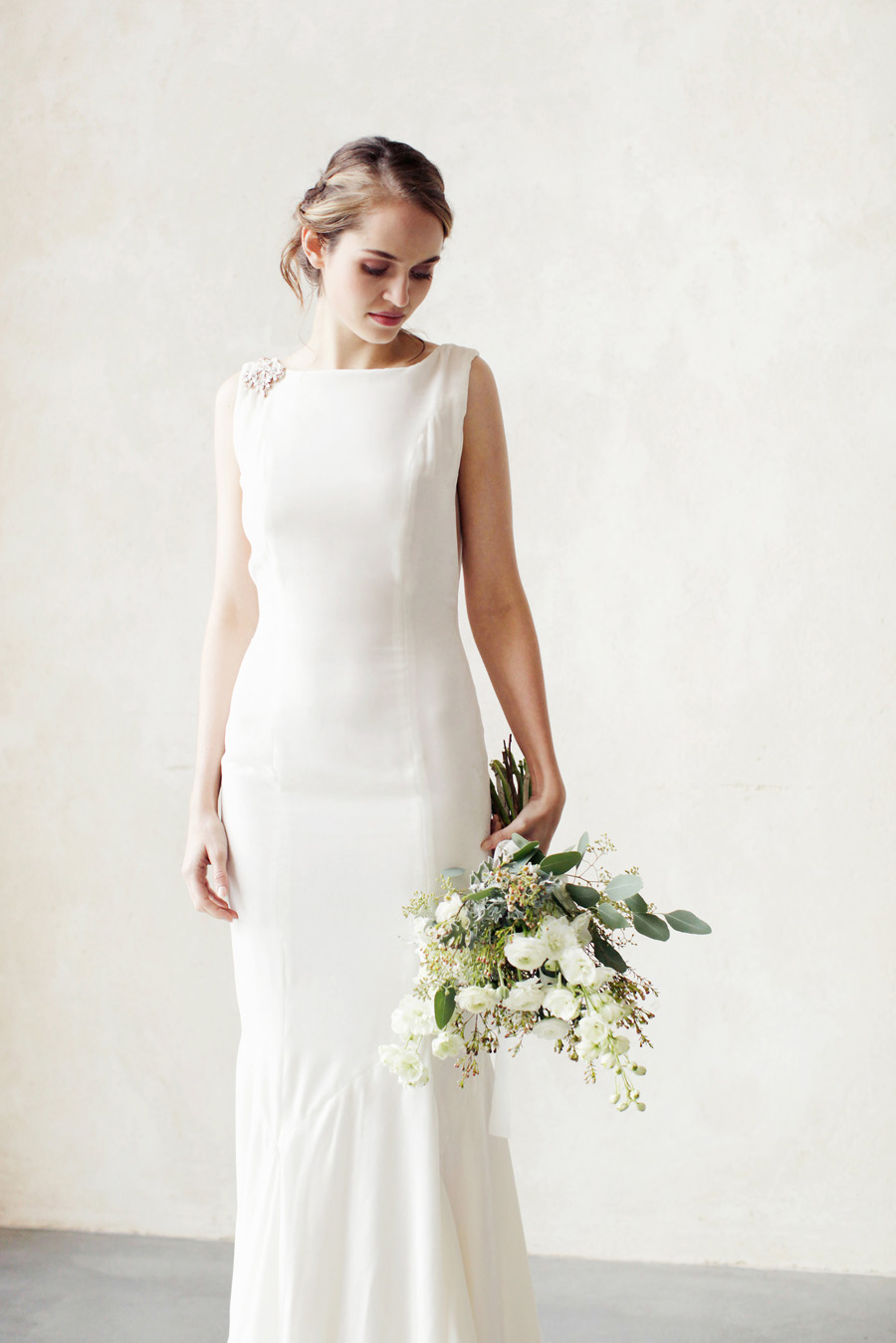 unique and elegant wedding dress ideas with Ailsa Munro, image by Rachel Rose Photography (26)