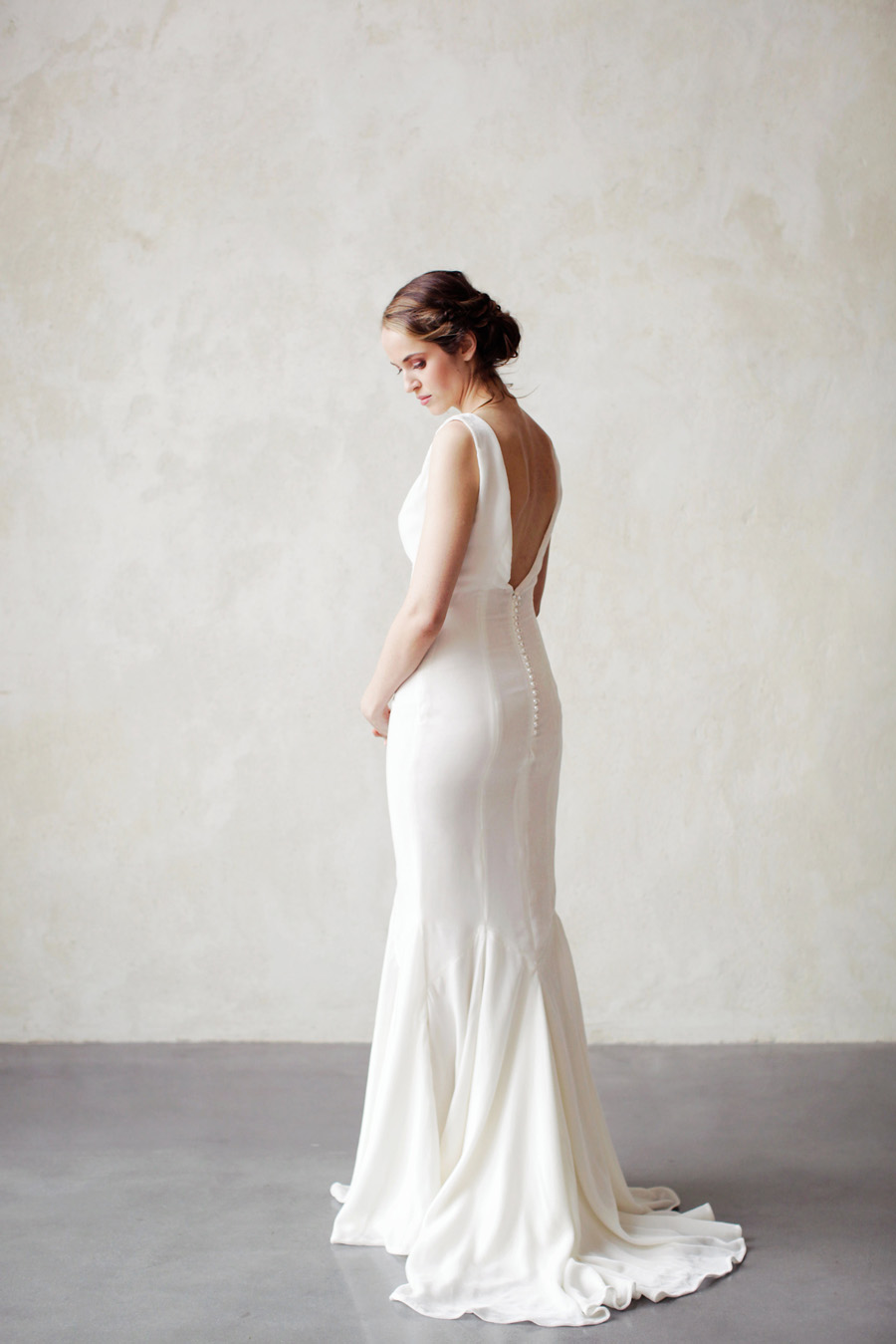 unique and elegant wedding dress ideas with Ailsa Munro, image by Rachel Rose Photography (24)