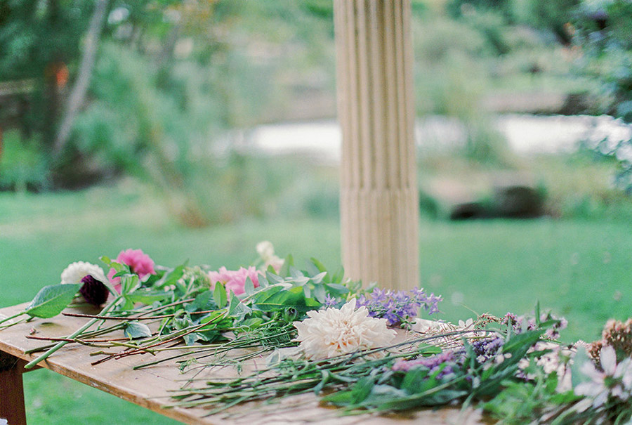 How to style your wedding with British grown flowers, with Alexandra Rose and Bethany Stanley Photography (2)