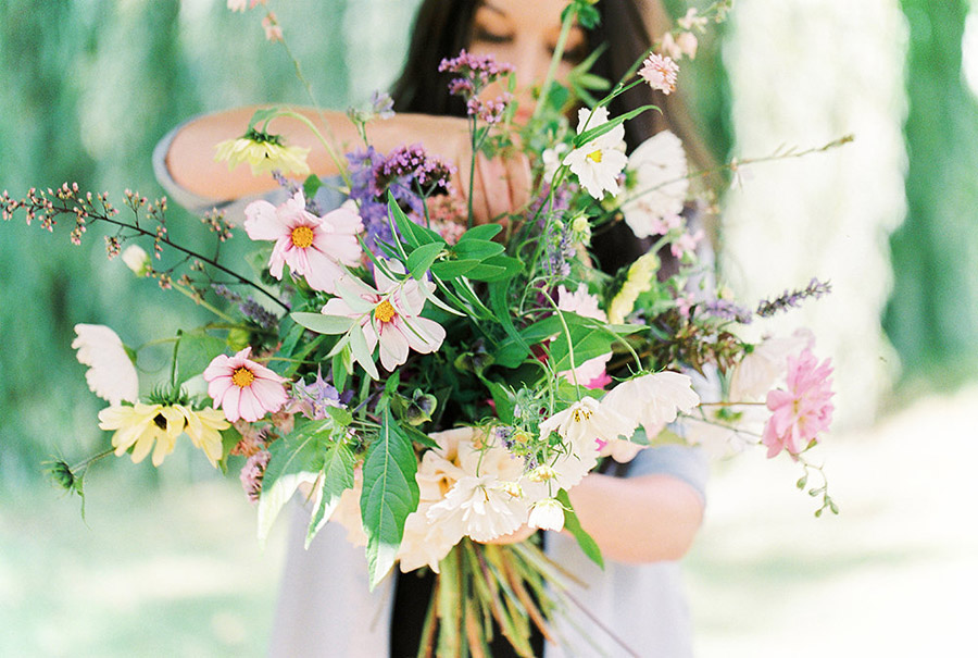 How to style your wedding with British grown flowers, with Alexandra Rose and Bethany Stanley Photography (8)