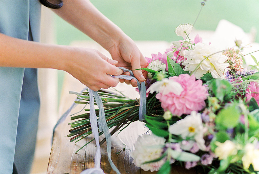 How to style your wedding with British grown flowers, with Alexandra Rose and Bethany Stanley Photography (12)