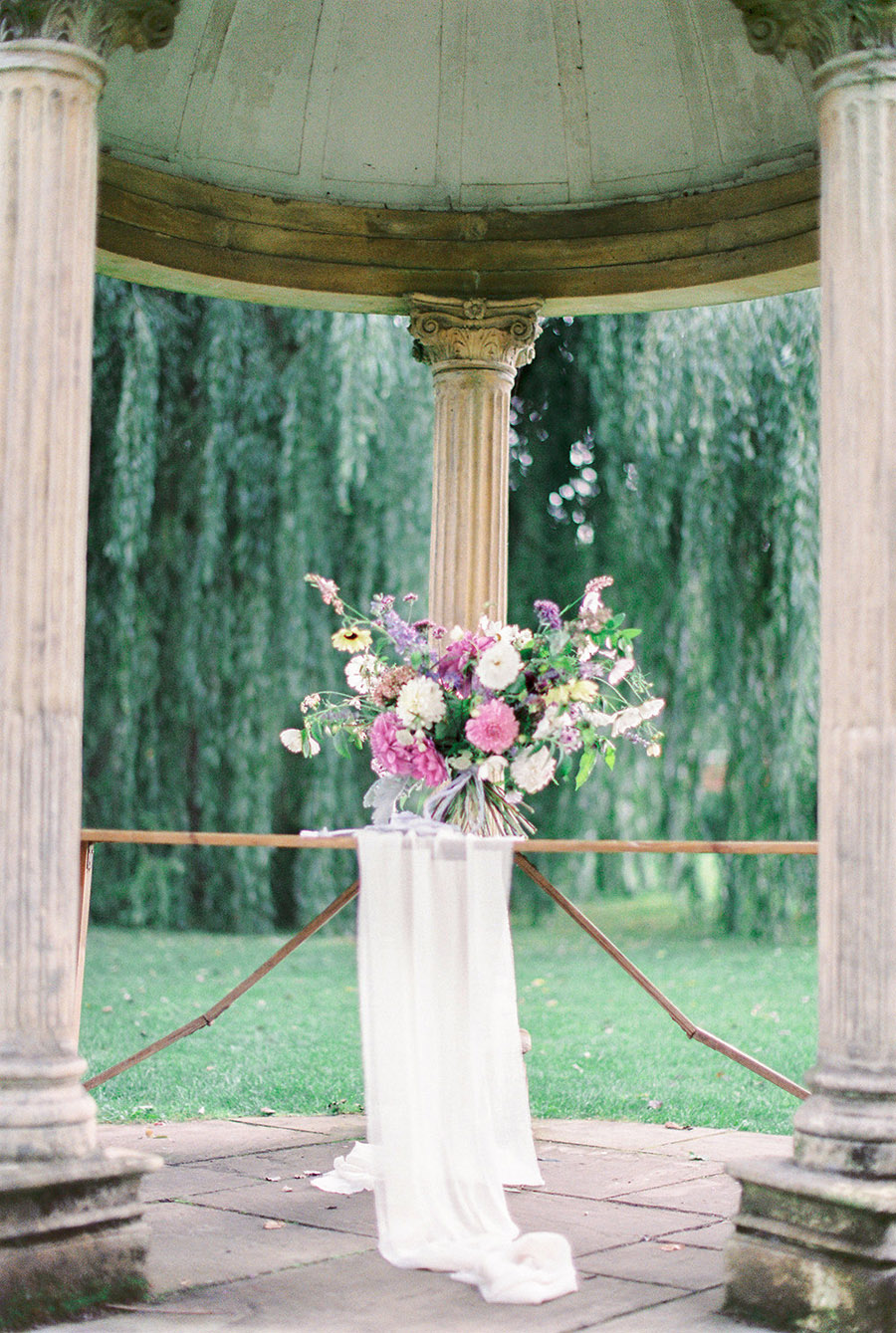 How to style your wedding with British grown flowers, with Alexandra Rose and Bethany Stanley Photography (14)
