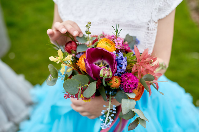Vibrant and unique bridesmaid ideas, images by Fuller Photography Weddings (28)