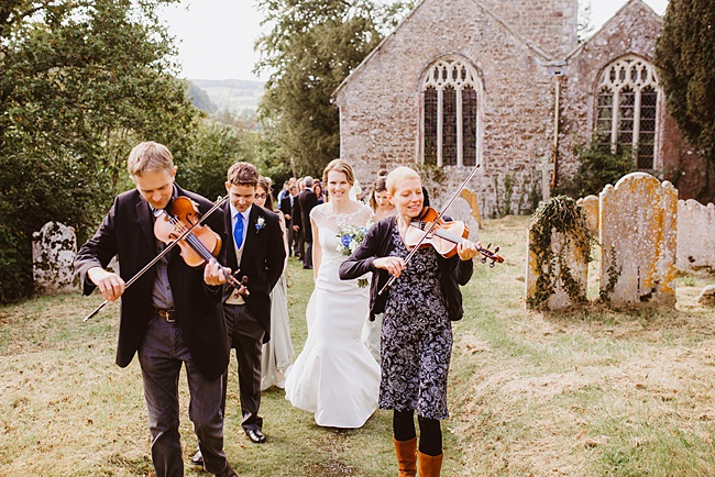 The Great Barn wedding in Devon, photographer Holly Collings (14)