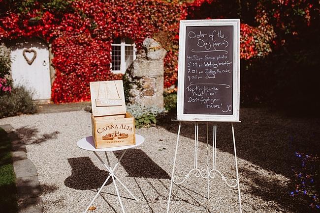 The Great Barn wedding in Devon, photographer Holly Collings (16)