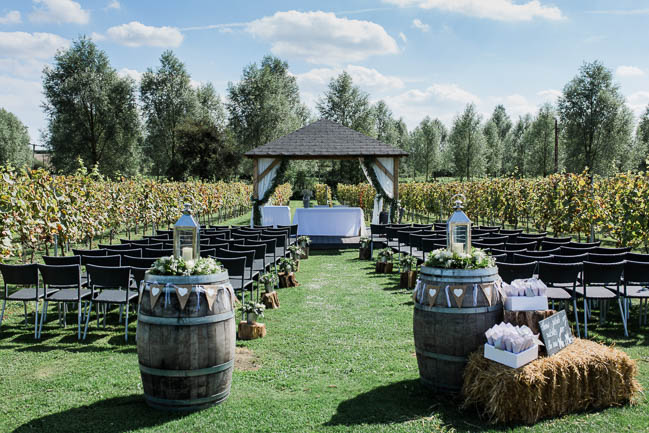 Beautiful summer wedding outdoors in an English vineyard, with Danielle Smith Photography (9)