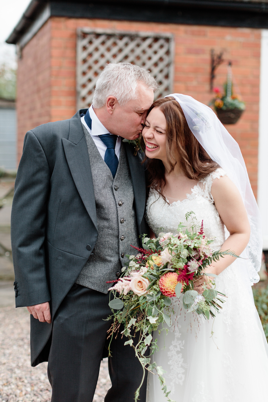 English summer wedding at Alveston Pastures, with Hannah K Photography (5)