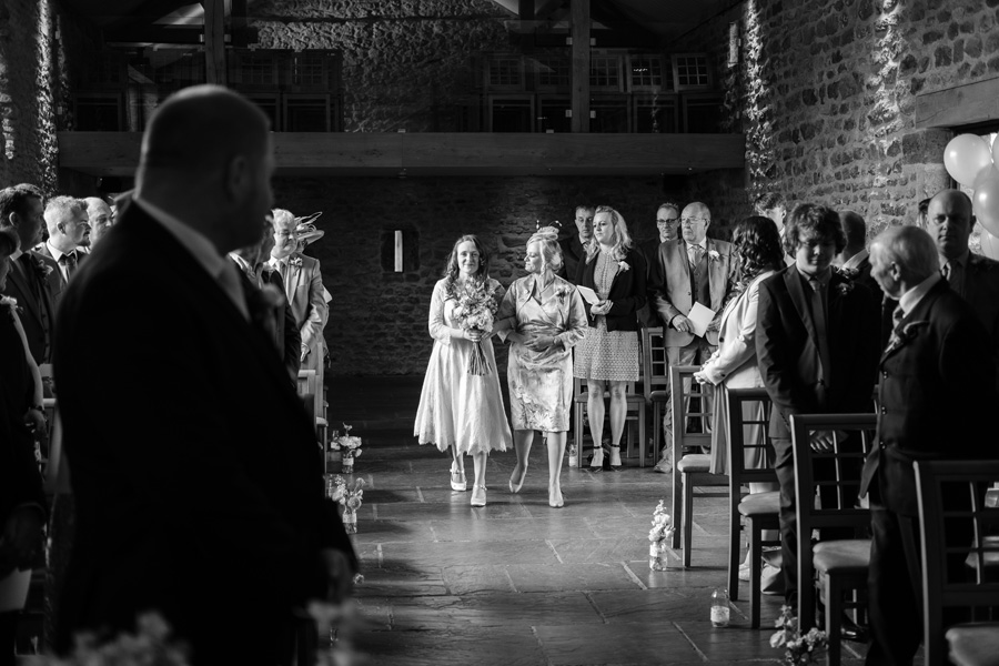 Dodford Manor Country Barn wedding blog, images © Brillpix Photography (12)