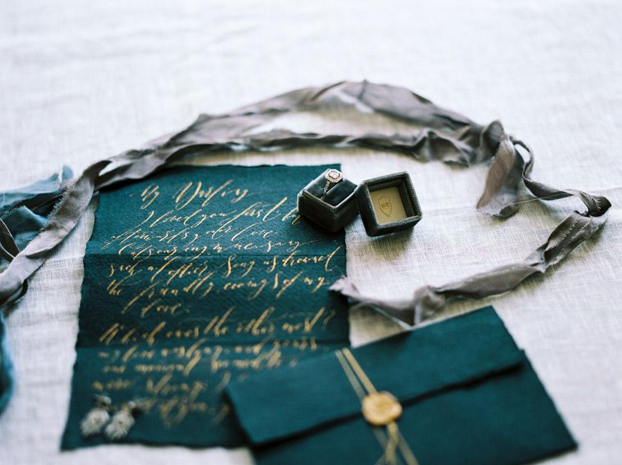 Vintage designer wedding inspiration for 2018, image credit Verona Lain Photography on the English Wedding Blog (2)
