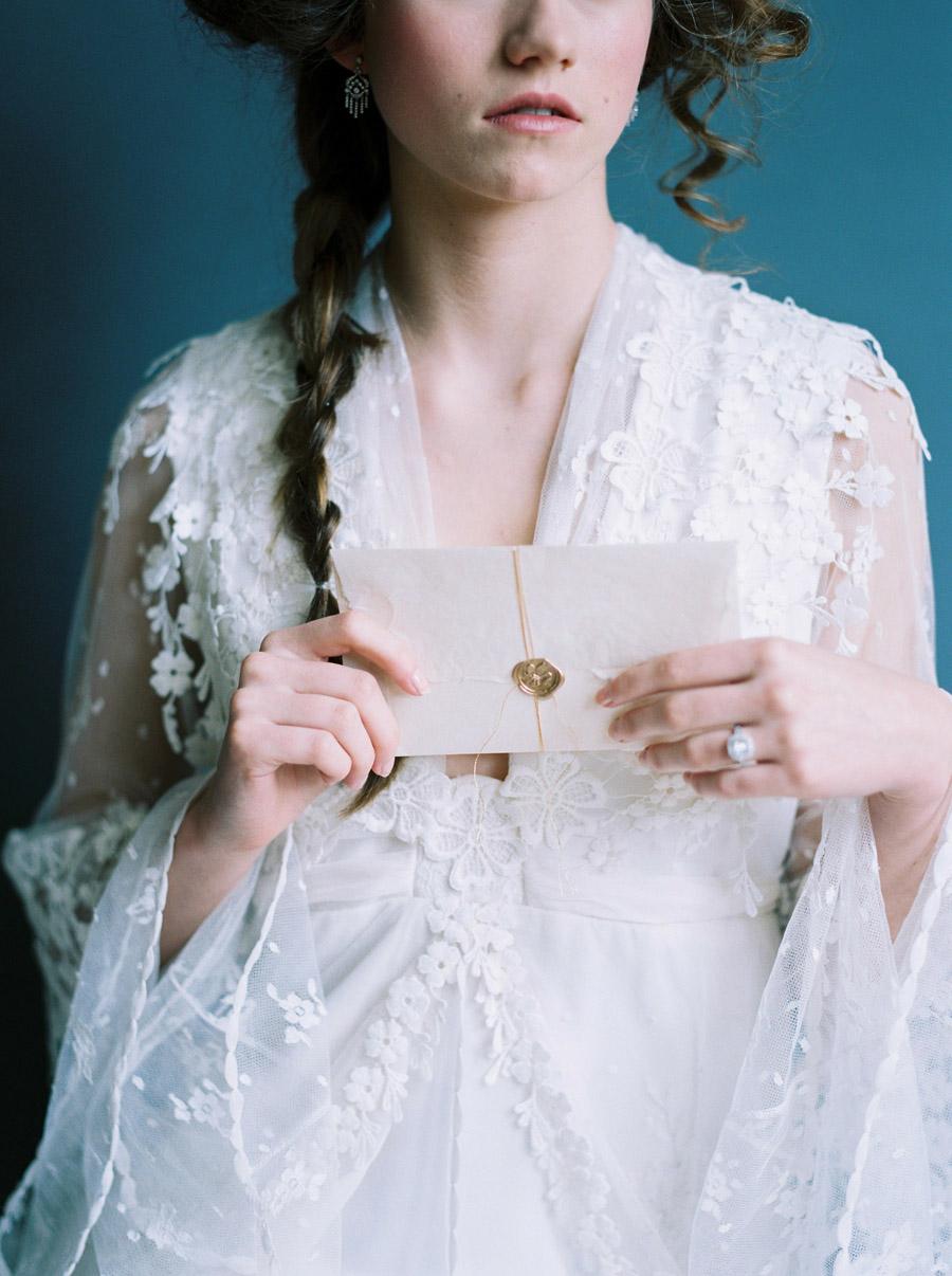 Vintage designer wedding inspiration for 2018, image credit Verona Lain Photography on the English Wedding Blog (17)