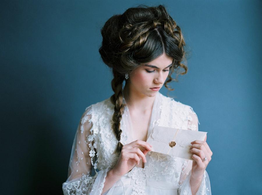 Vintage designer wedding inspiration for 2018, image credit Verona Lain Photography on the English Wedding Blog (18)