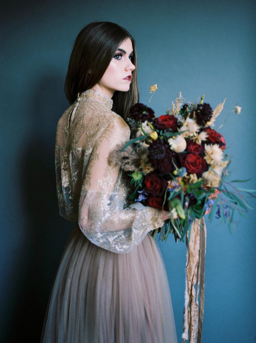 Vintage designer wedding inspiration for 2018, image credit Verona Lain Photography on the English Wedding Blog (25)