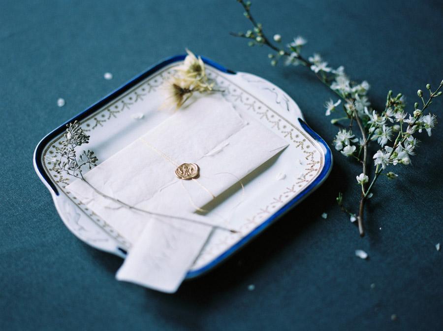 Vintage designer wedding inspiration for 2018, image credit Verona Lain Photography on the English Wedding Blog (29)