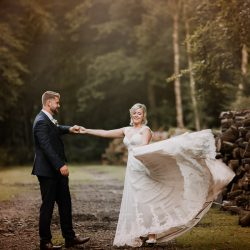 Rosie & Steve's stunning outdoor wedding in Hampshire, with Romy Lawrence Photography