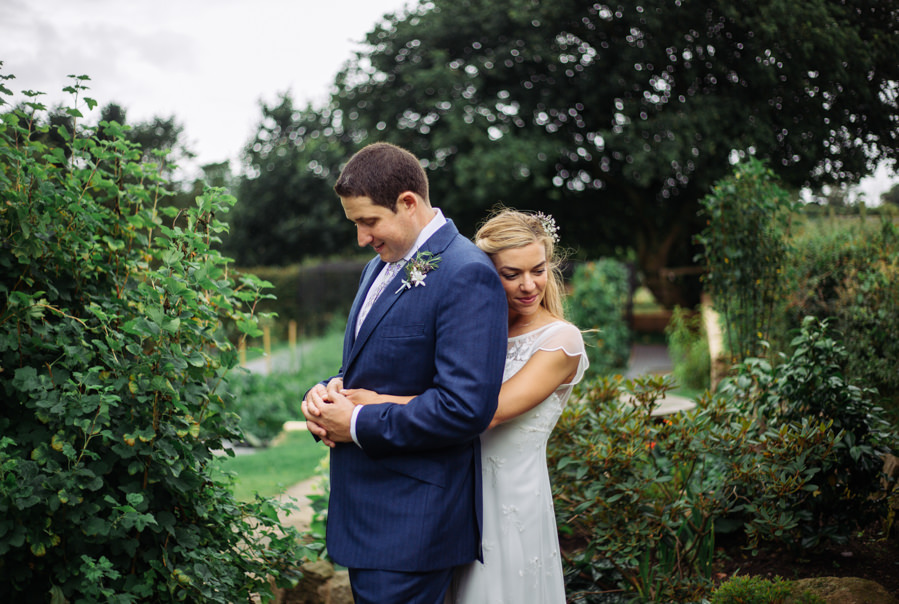 Gorgeous purple flowers for a summer wedding with Delicious Photography (25)