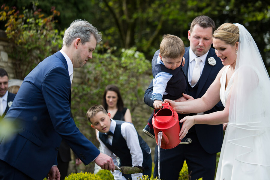 Creative and fun Cotswolds wedding blog with Martin Dabek Photography (19)